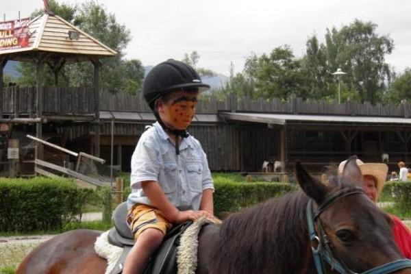 037 paardrijden