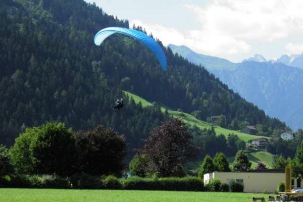 070 paragliding